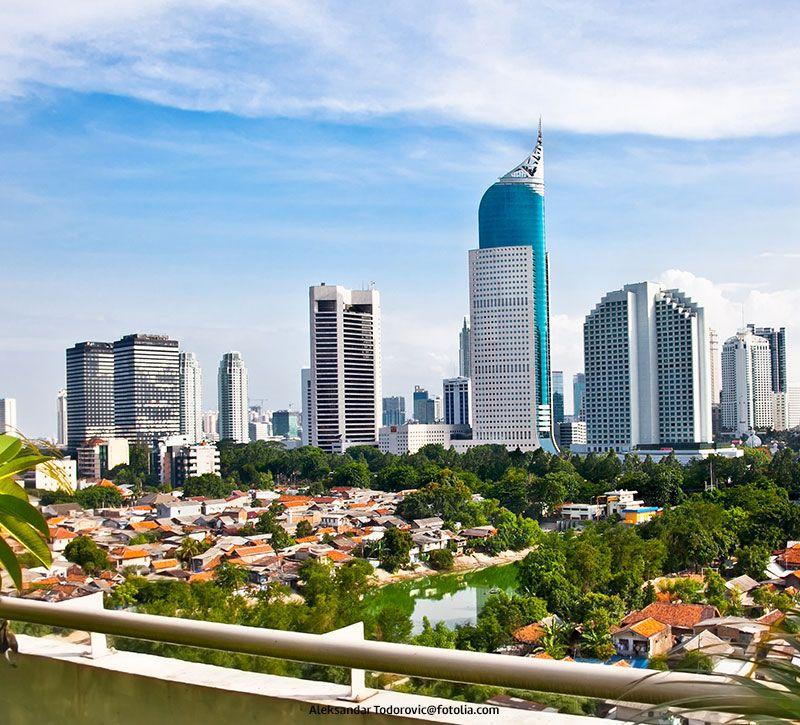 indonesien jakarta skyline berge und meer