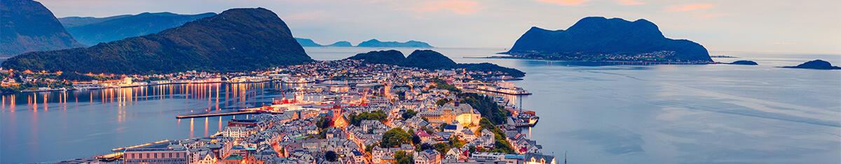 Norwegen Reisetipps Informationen Berge Meer