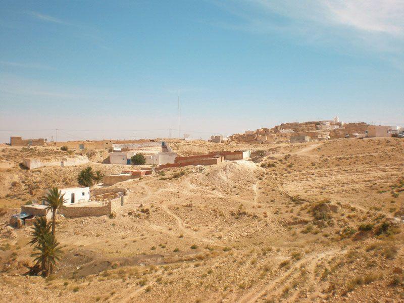 tunesien gabes berge und meer