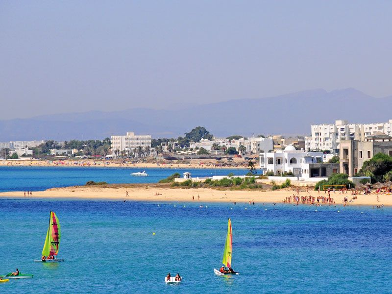 tunesien hammamet berge und meer