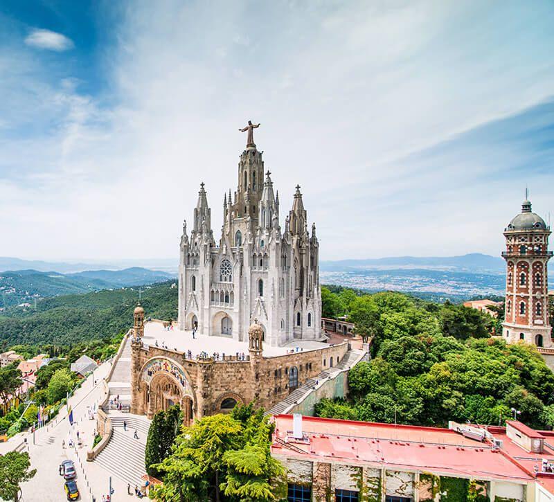 spanien barcelona tibidabo berge und meer