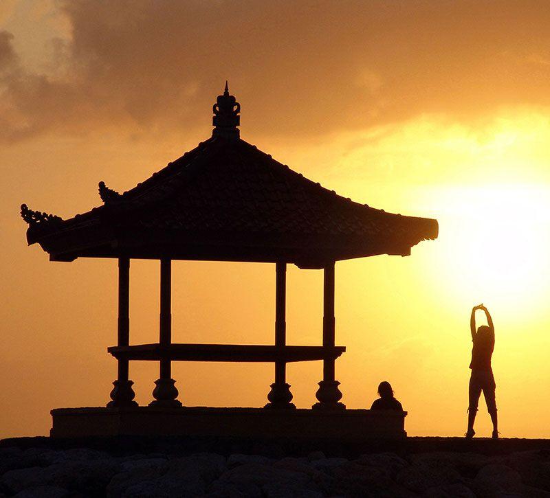 indonesien bali berge und meer