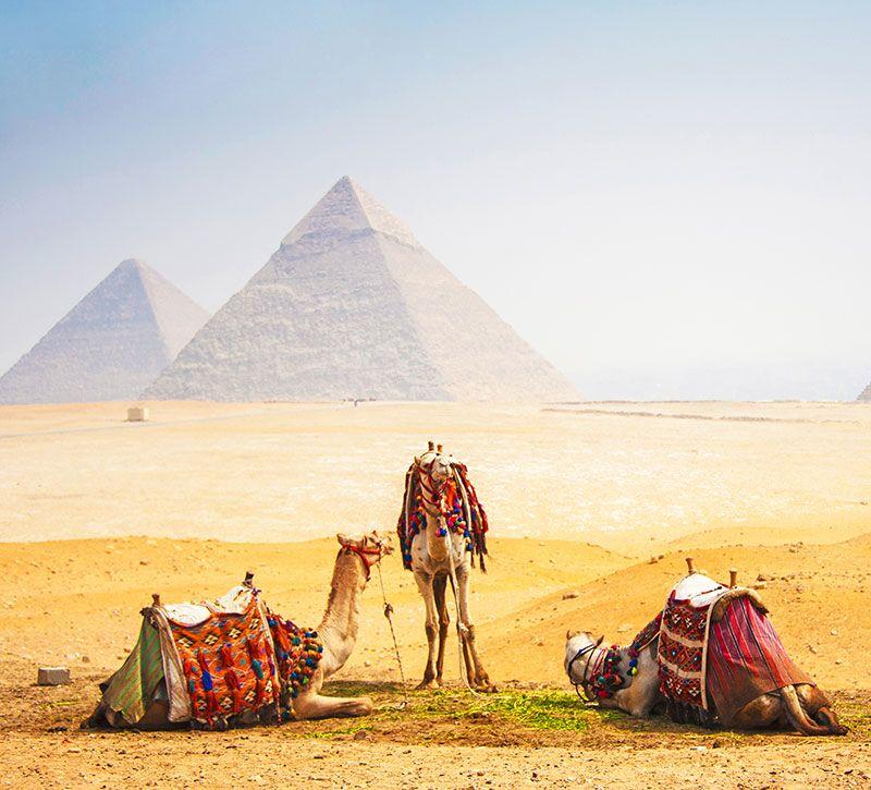 aegypten gizeh berge und meer