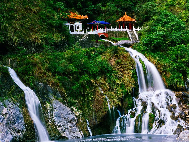 taiwan taroko nationalpark berge und meer