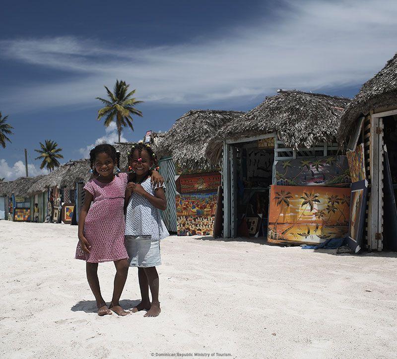 dominikanische republik kids berge und meer