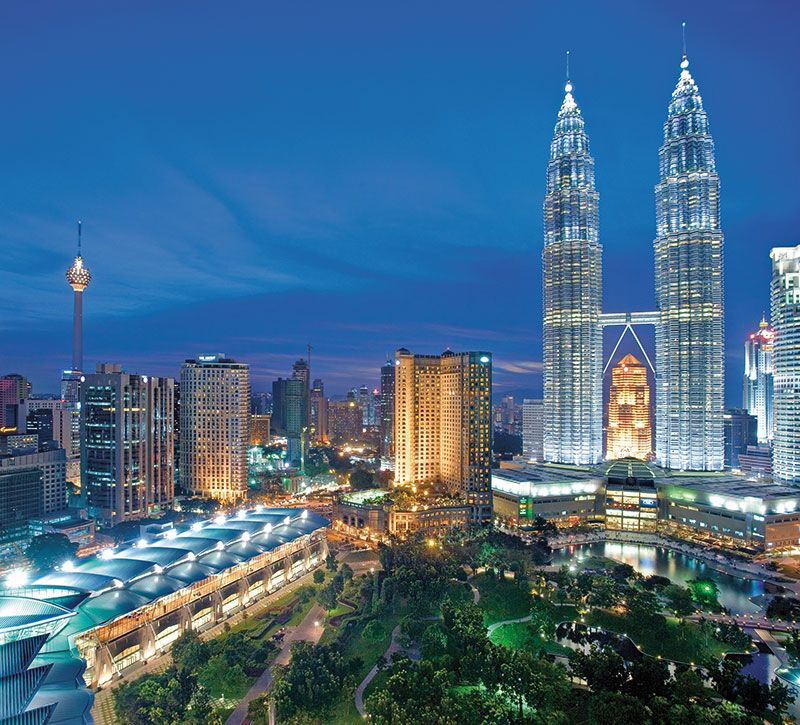 malaysia kuala lumpur stadtansicht berge und meer