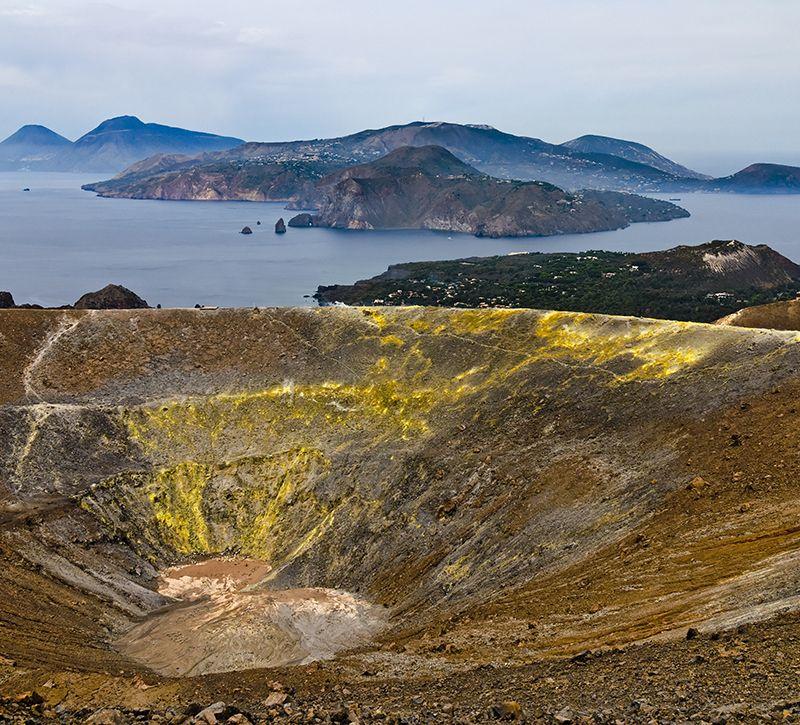 Italien Kalabrien Liparische Inseln Vulcano  berge und meer