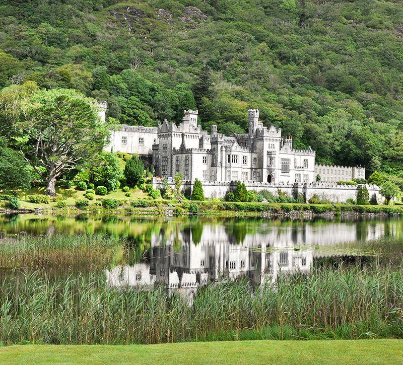 irland kylemore berge und meer