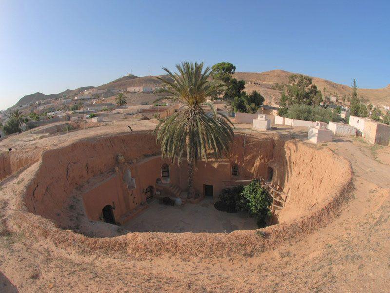 tunesien matmata wohnungen berge und meer