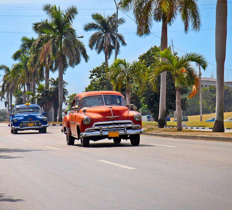 Kuba oldtimer berge und meer