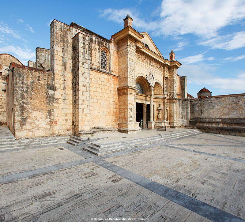 dominikanische republik catedral primada de america berge und meer