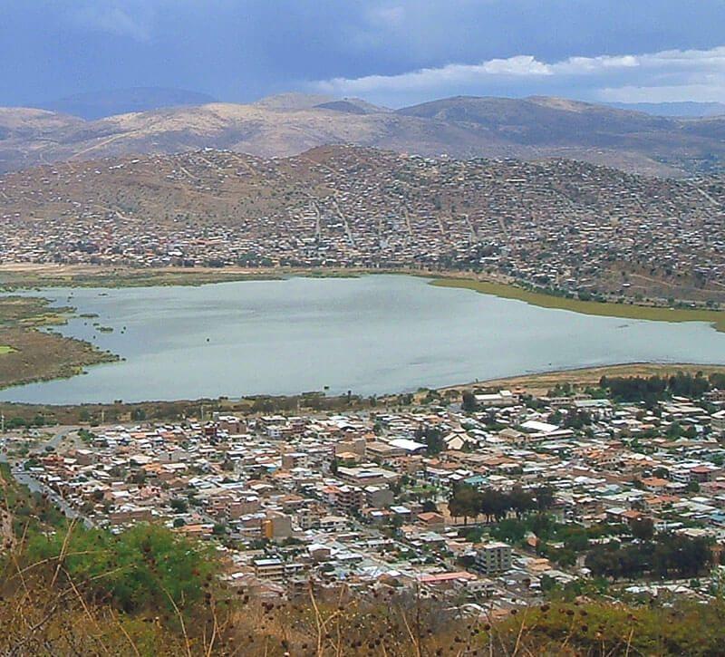 bolivien cochabamba berge und meer