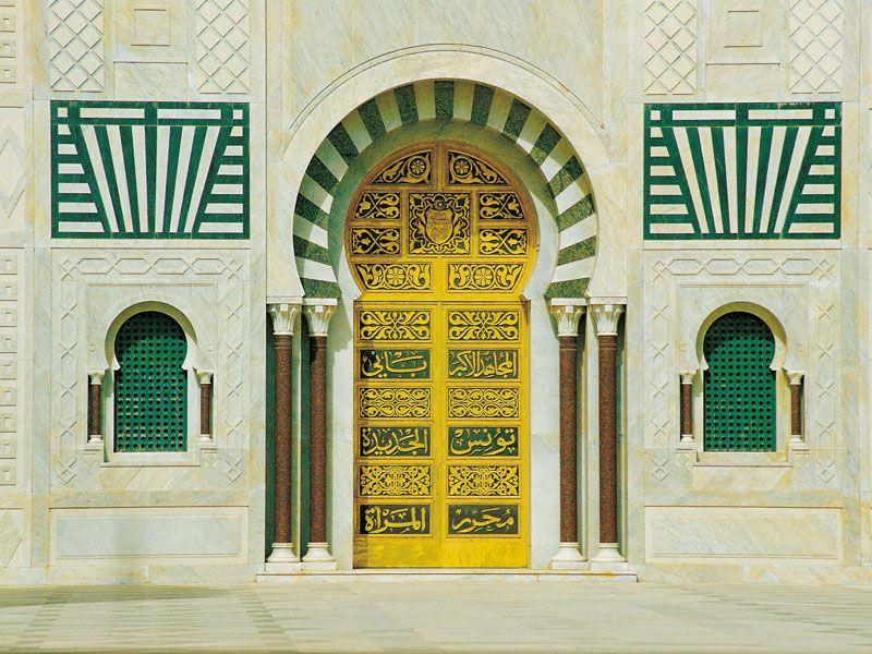 tunesien monastir tuer berge und meer