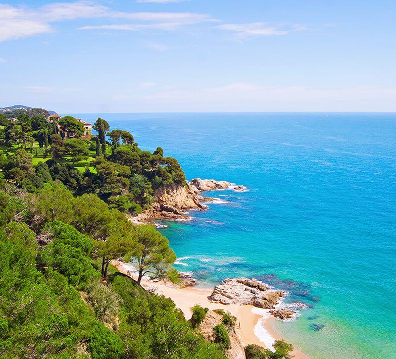 spanien costa brava berge und meer