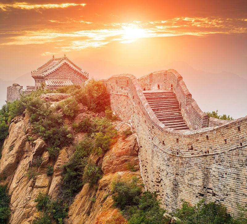 china-grosse-mauer-berge-und-meer