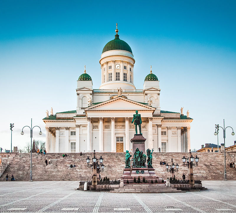 finnland-helsinki-kathedrale-berge-und-meer