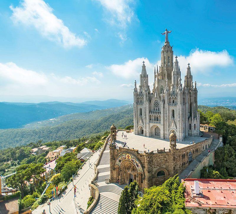 spanien barcelona berge und meer