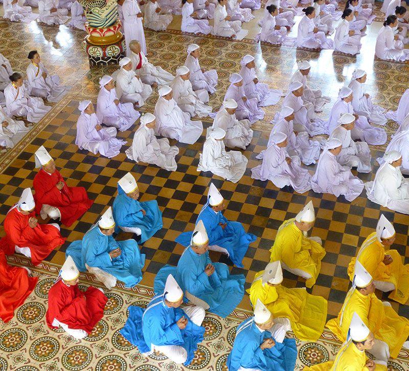 vietnam religion berge und meer