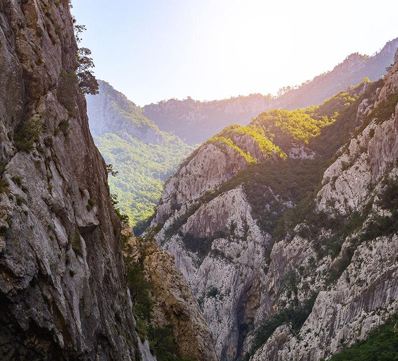 Montenegro Moraca Schlucht Berge  berge und meer