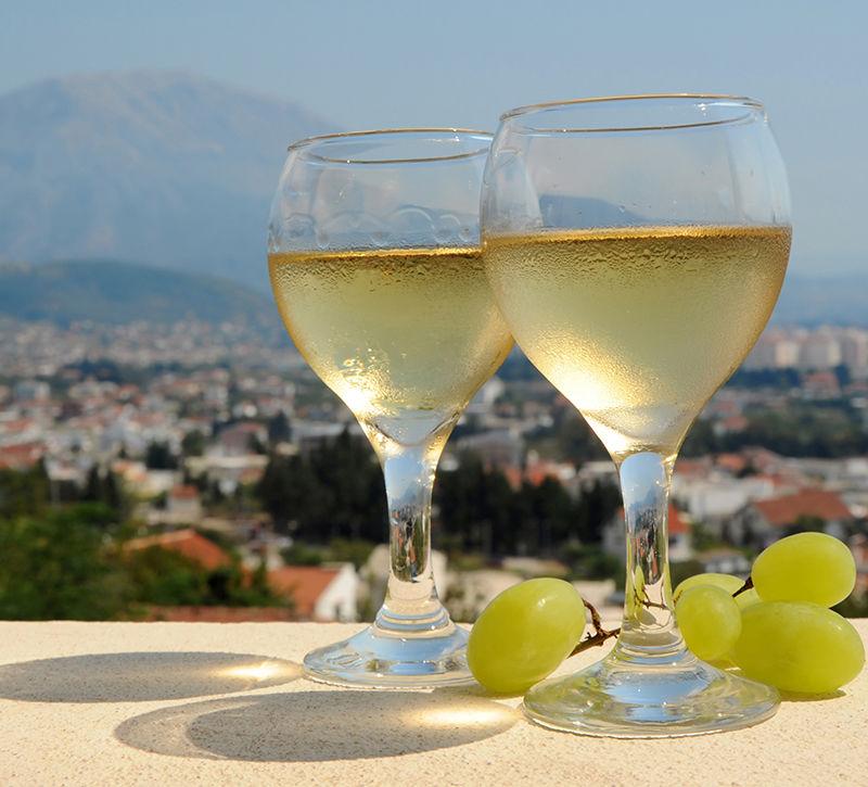 Montenegro Wein  berge und meer