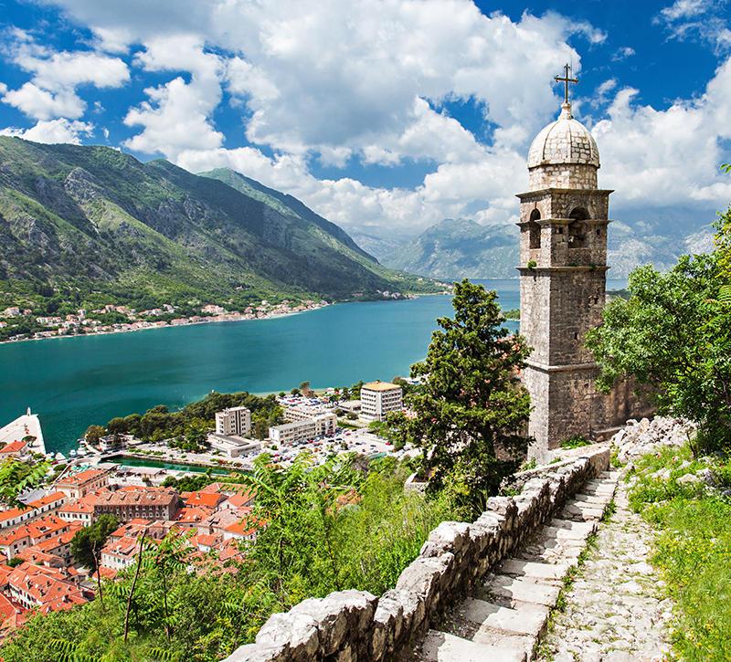 Montenegro Kotor Aussicht  berge und meer