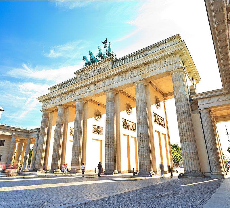 Steigenberger Berlin Brandenburger Tor berge und meer