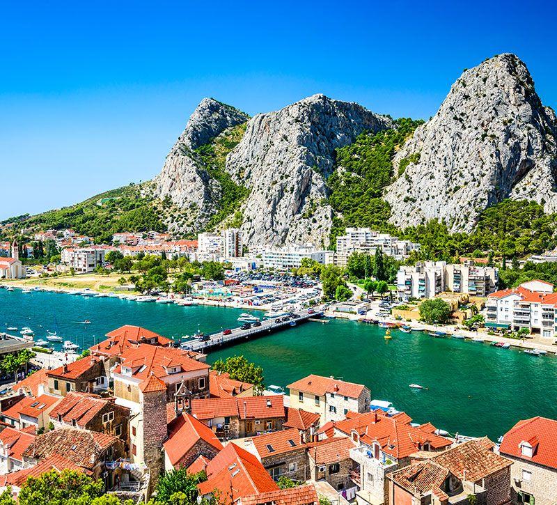 kroatien omis dalmatia croatia emi cristea berge und meer