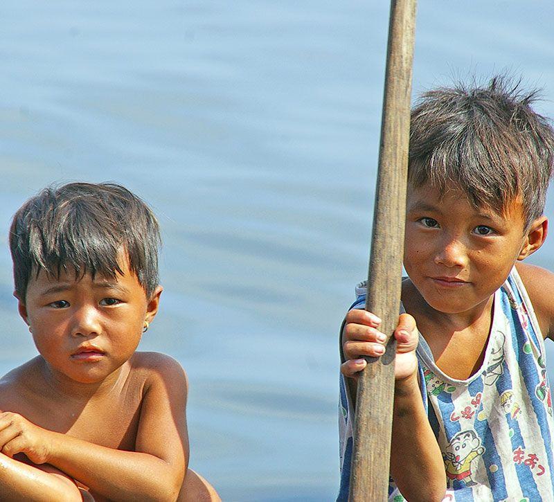 vietnam kinder berge und meer