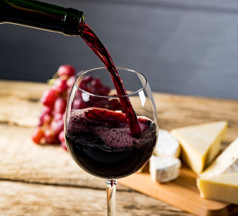 Italien Kalabrien Wein  berge und meer