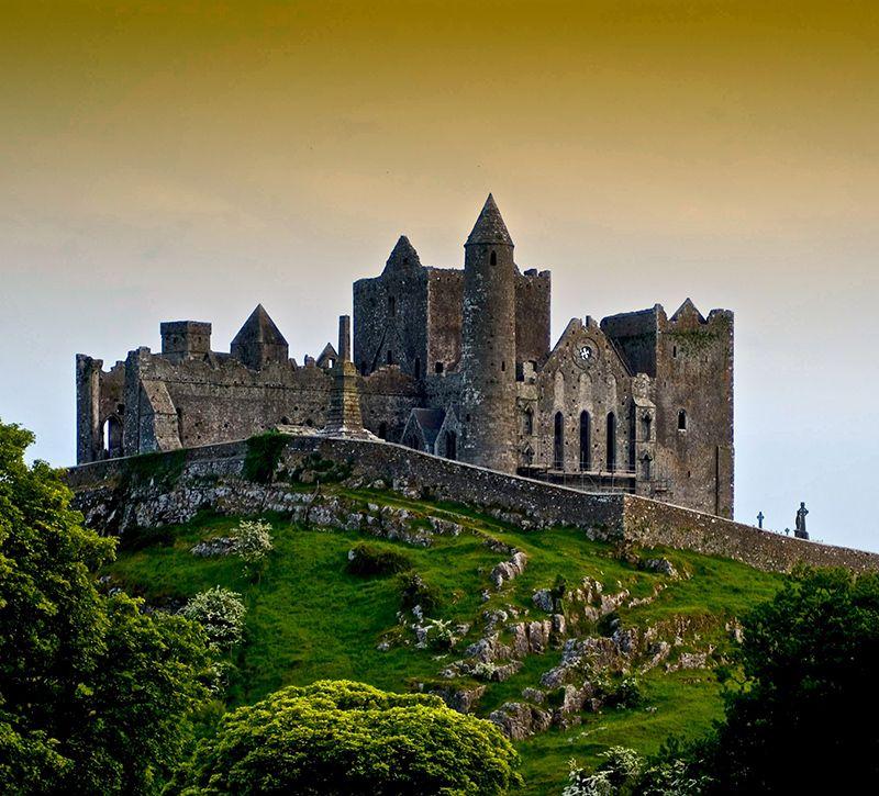 irland cashel berge und meer