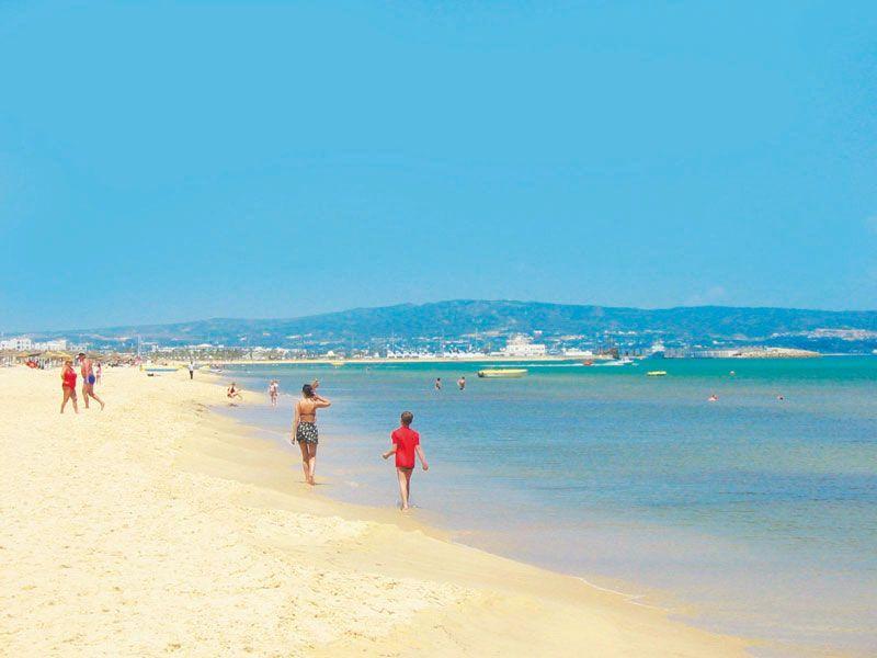 tunesien hammamet strand berge und meer