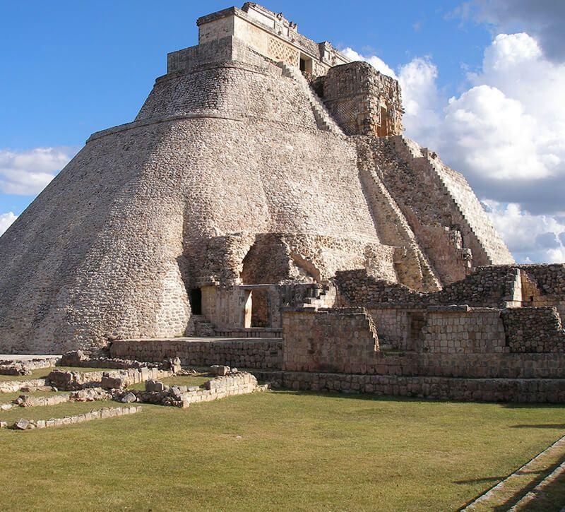 mexiko uxmal berge und meer
