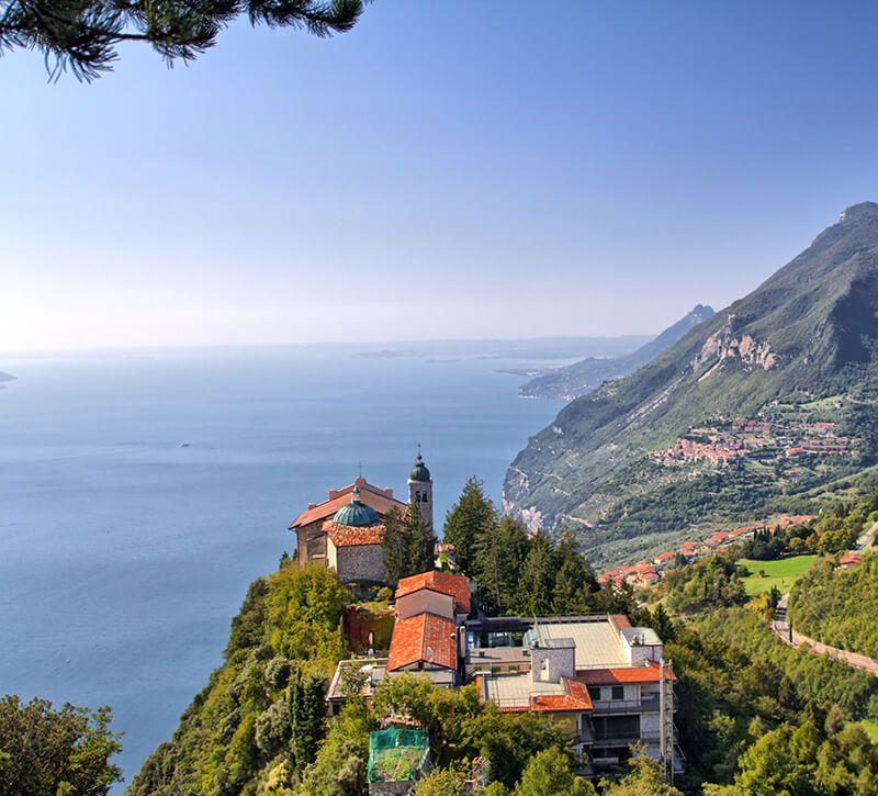 italien berge und meer