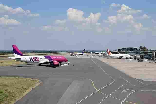 Flughafen dortmund vorfeld flugzeuge wizzair ryanair