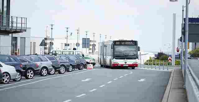 Bus vor terminal