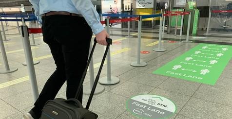 Den schnellen Fast Lane-Zugang am Dortmund Airport können kiwi.com-Kunden seit dem ersten September nutzen.