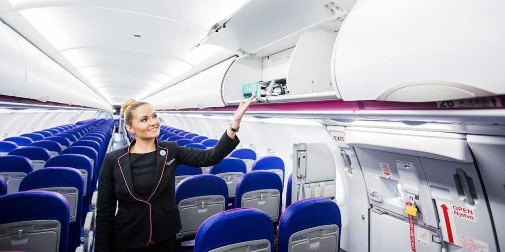 Handgepaeck im flugzeug von wizz air