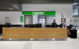 Biuro zagubionego bagażu na lotnisku w Dortmundzie