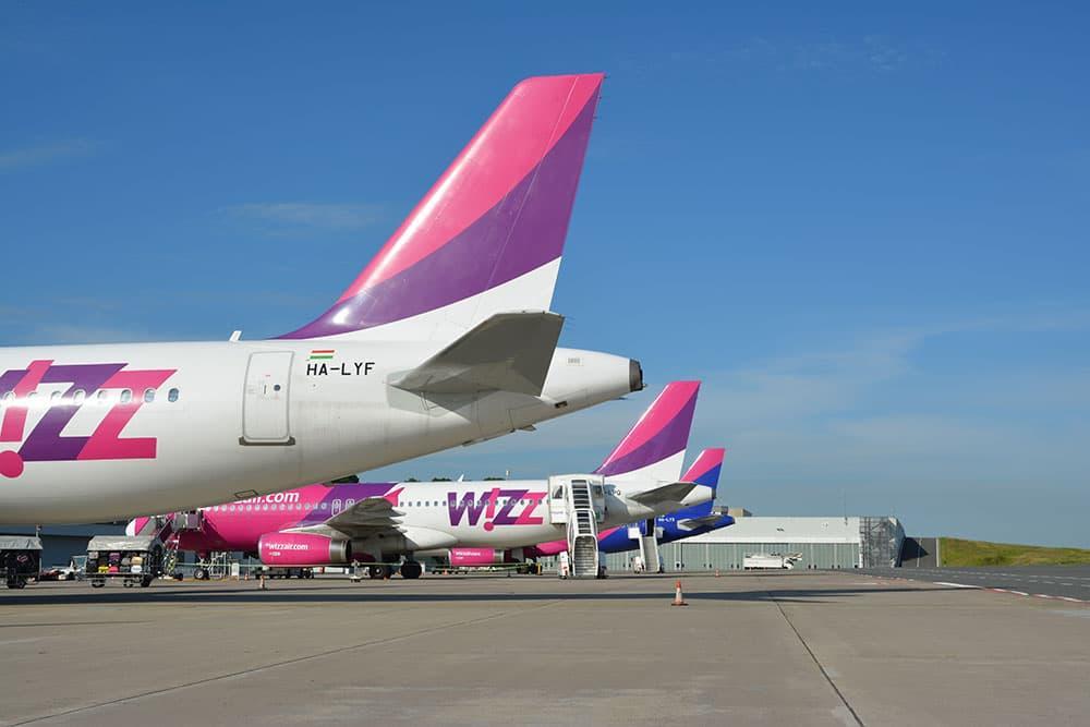 Wizz air flieger vorfeld dortmund airport 1