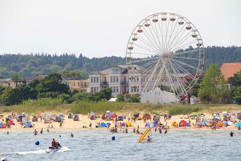 Riesenrad am Strand von Ahlbeck auf Usedom