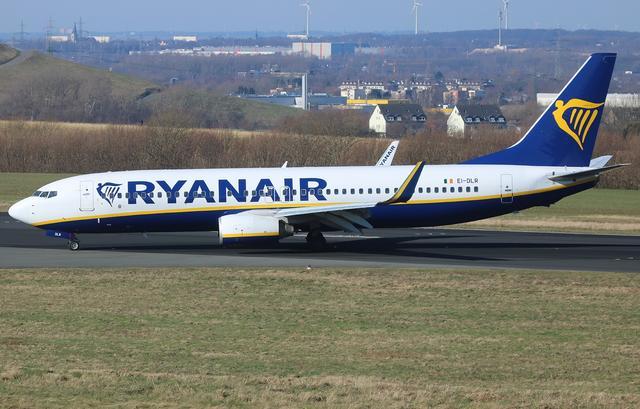 A737 - 800 - Ryanair Flugzeug