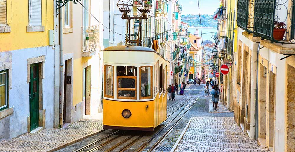 Bica strassenbahn lissabon reisefuehrer dortmund airport