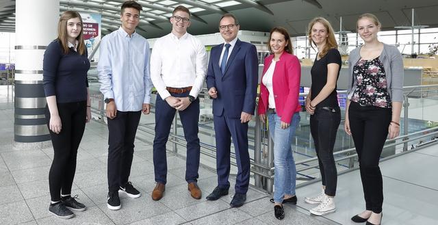 Neue Azubis 2017 am Dortmund Airport