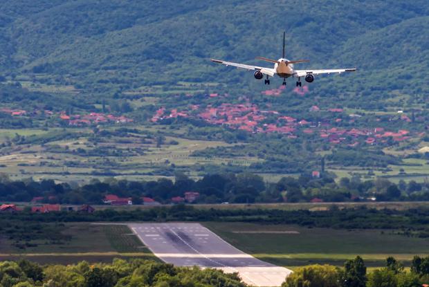 Landing aircraft nis serbia may 2017