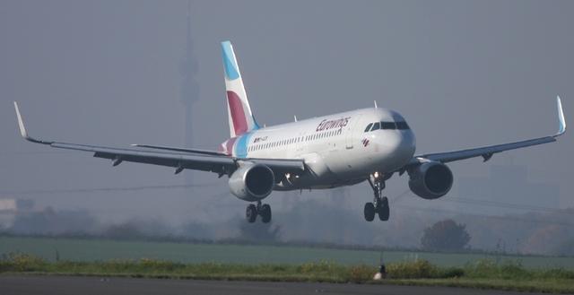 Eurowings Maschine im Landanflug