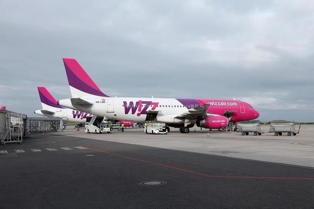 Wizz Air Flugzeuge auf dem Vorfeld des Dortmund Airport