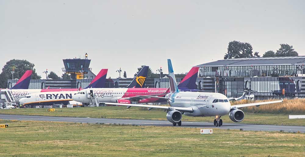 Airlines vorfeld dortmund airport