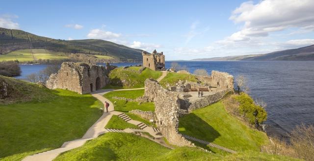 DERTOUR-Sonderflug nach Schottland