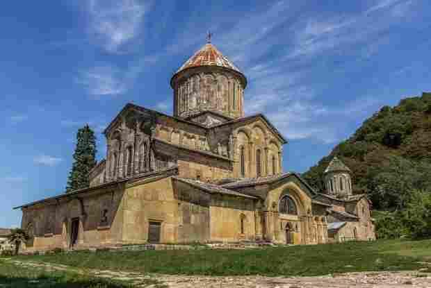 Gelati the monastery of the virgin in kutaisi