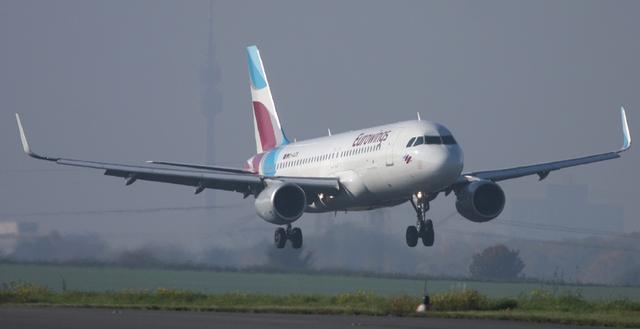 Eurowings Maschine im Landeanflug